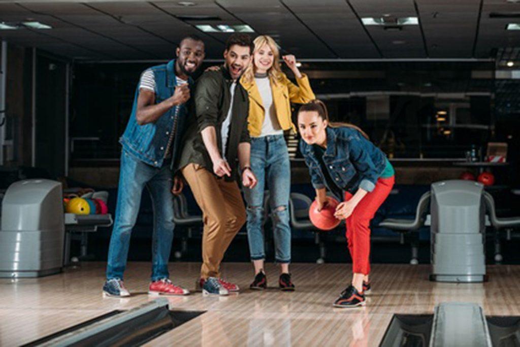 people bowling